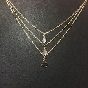🛍2/$20 Banana Republic gold triple chain necklace